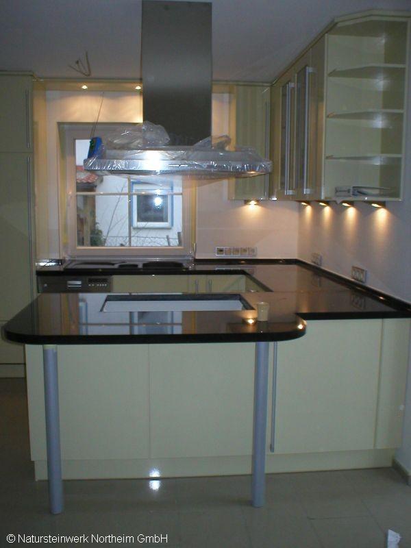detailansicht k chenarbeitsplatte kochinsel bild 1. Black Bedroom Furniture Sets. Home Design Ideas